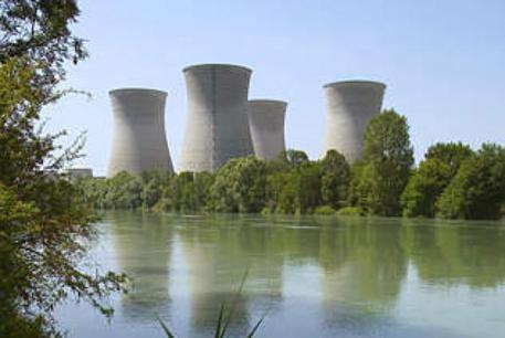 eau et centrale nucléaire